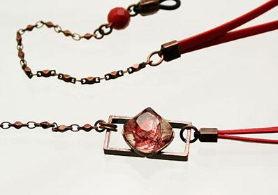 紳士用眼鏡ストラップ 赤 ユリ 珊瑚(染め)革