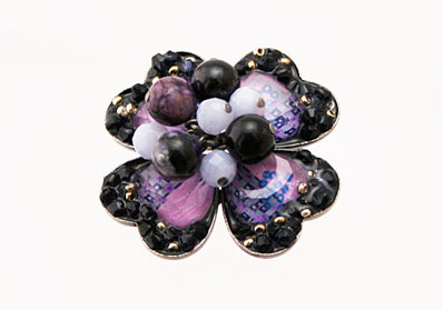 紫のゴージャス華やかブローチ