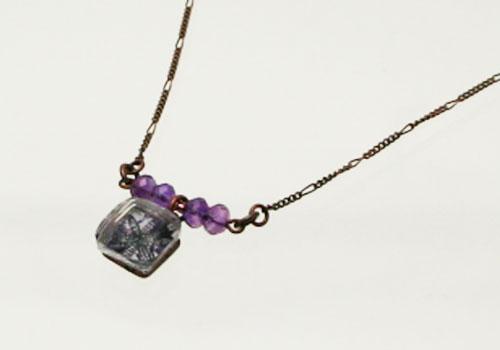 紫の四角いネックレス【アメジスト】