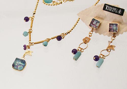 水色と紫のチョーカー&ピアス/イヤリング