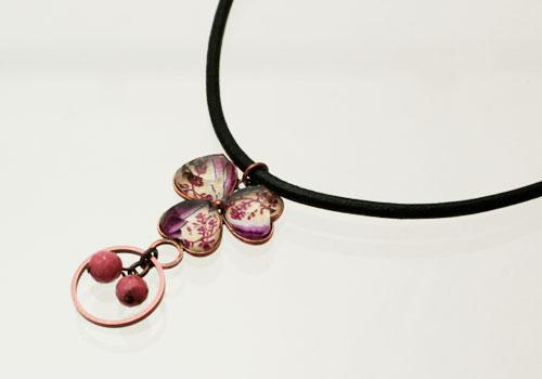 バラ柄スミレの飾り付き革ひもメガネホルダーチョーカー