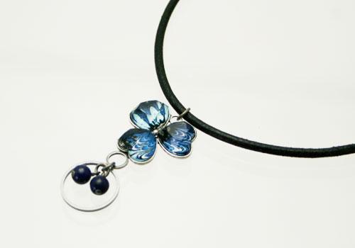 青いマーブル柄スミレ飾りのネックレスにもなるメガネホルダー