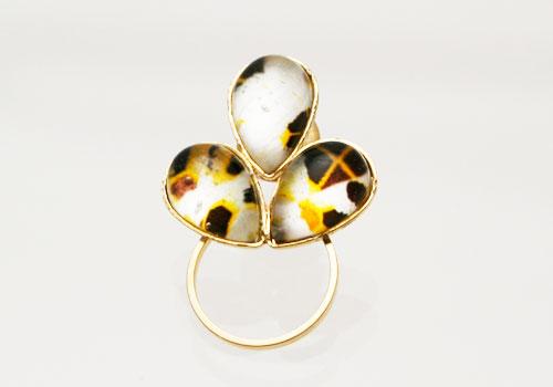 トラ猫柄の金色メガネホルダーピンブローチ