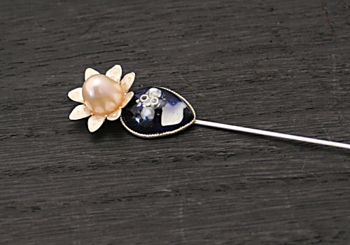 淡水パールのお花がかわいいハットピン/ラペルピン