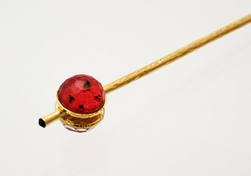 赤い丸飾りの玉かんざし[hair stick]