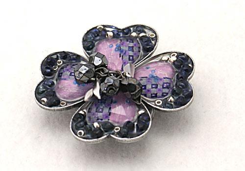 紫の四葉のクローバーの帯留