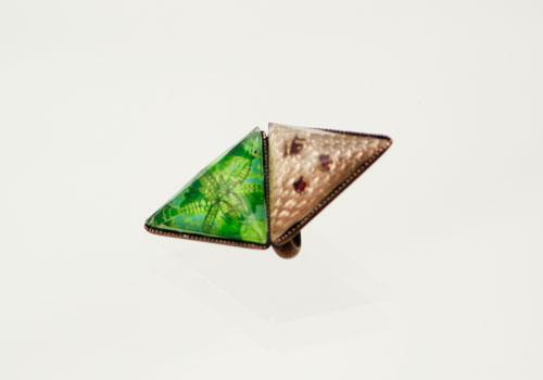 ダブル三角の帯留め